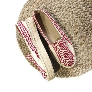GAP | Size 7 Red & Cream Embroidered Espadrilles